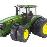 Traktor John Deere BRUDER