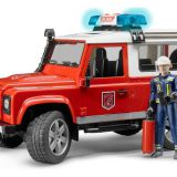 Hasičský Land Rover Defender s figúrkou hasiča BRUDER
