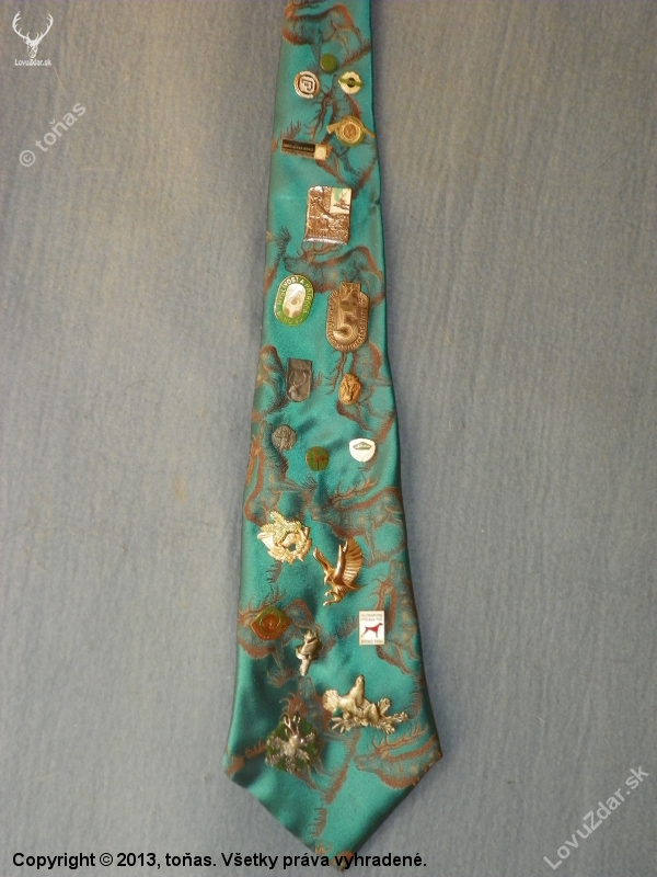 a7ff221d8 na staré kravatě-místo pro odznaky - poľovnícka fotografia, fotka ...