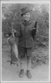 Môj otec s prvým uloveným zajacom